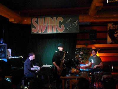 Living room trio swing bar concerti jazz musica dal for Living room jazz